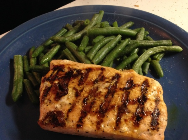 Dinner:  lots of steamed green beans and salmon cooked with lemon juice and pepper. <--SO good!!!
